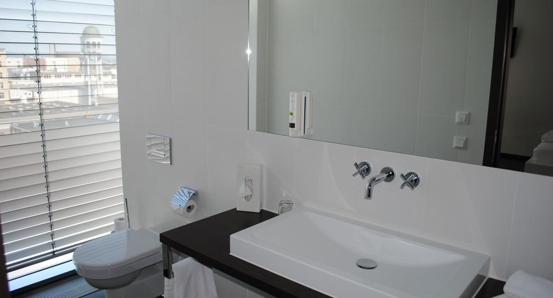 Bodensee: 2 ÜN/F für 2 Personen im DZ oder Junior-Suite inkl. 1x 3-Gänge-Menü Hegau Tower Hotel
