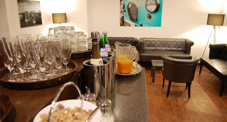Aachen: 3 Tage für 2 Personen, komfortablen Doppelzimmer, Carolus Thermen Wellnessparadies, Frühstück im Hotel Krone Aachen | City-Eurogress für 179€