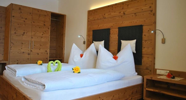 Südtirol: 3 Tage/F für 2 Erwachsene und bis zu 2 Kinder (bis 7 Jahre) im Standard-DZ inkl. Wellnes im Hotel Argentum Gossensass für 99€