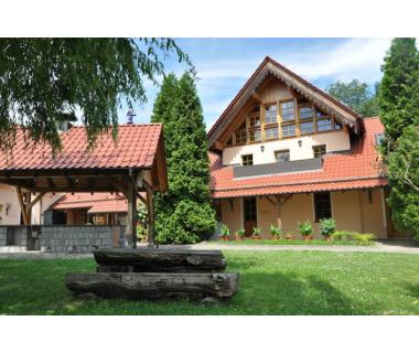 3 Tage im komfortablen DZ bzw. Ferienhaus inkl. 3-Gang-Verwöhnmenü am Abend (HP)..