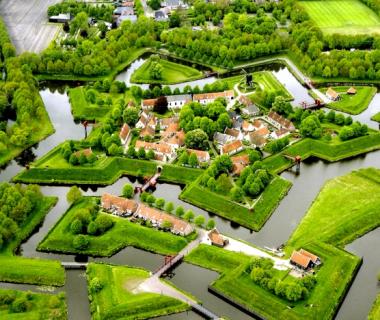 Holland: 3 Tage im Deluxe Doppelzimmer im  4* City Hotel Stadskanal 119€