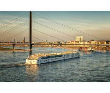 Düsseldorf: 2 ÜN/F für 2 Personen im Doppelzimmer inkl. VRR Bus & Bahn-Ticket im..